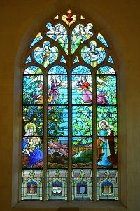 Église_Notre-Dame-de-la-Tronchaye_(vitrail_choeur)_-_Rochefort-en-Terre_(Morbihan)